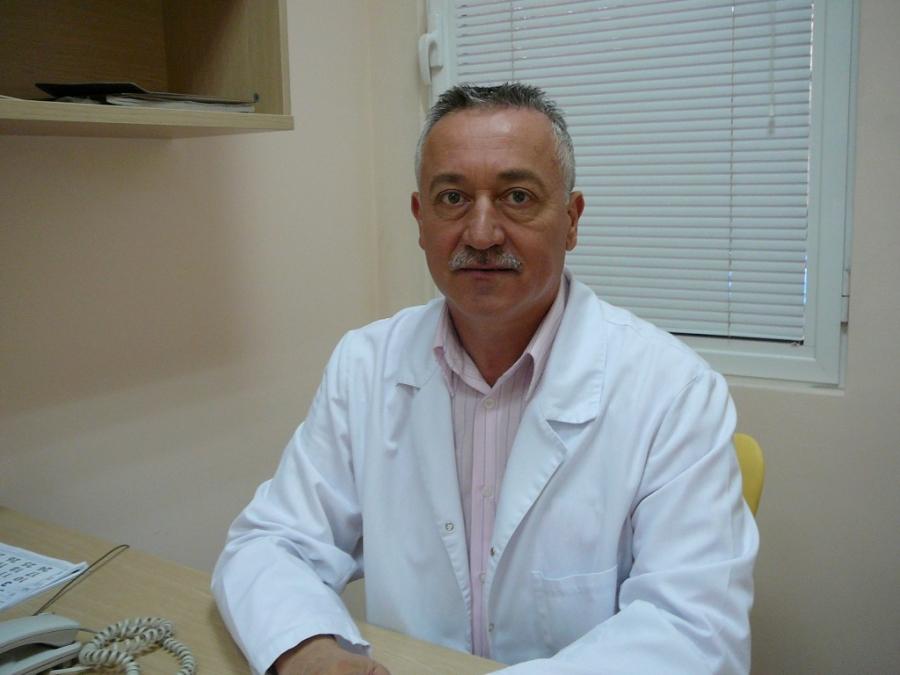 Доц. д-р Таньо Сечанов